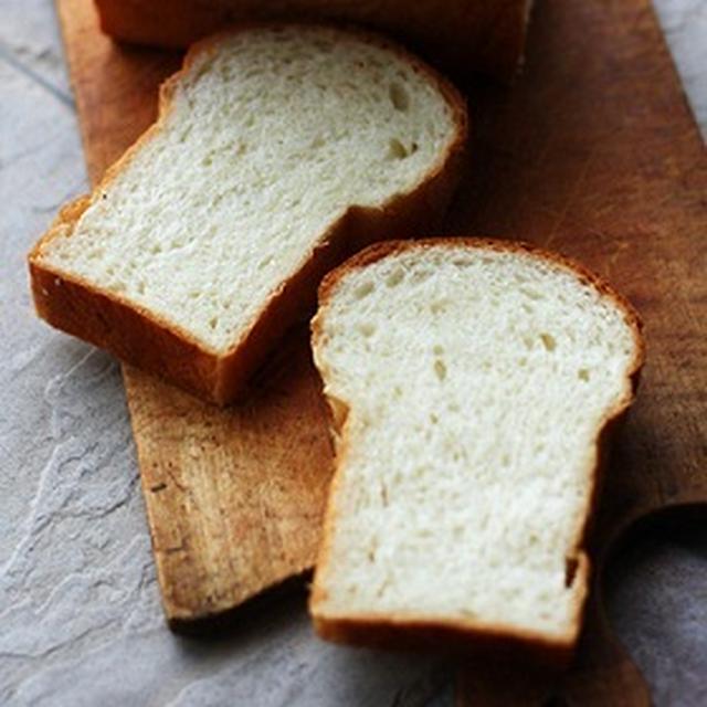 手捏ねの牛乳食パン