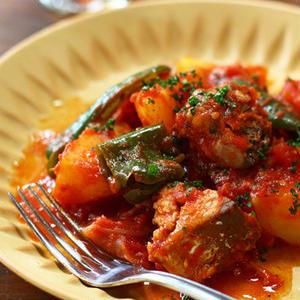 トマト缶でお手軽に♪鶏肉以外でもおいしい「トマト煮」レシピ