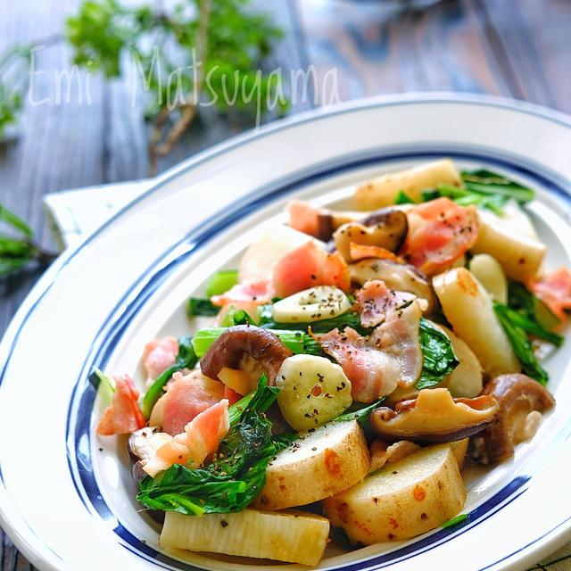 *長芋と小松菜と椎茸のベーコンガーリック炒め*長芋を皮付きで炒めて栄養...