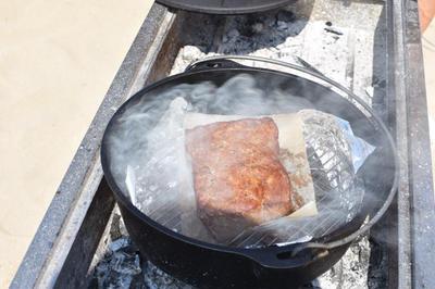 【キャンプ飯】ダッチオーブンで燻製ローストビーフ作り…キャンプ終了