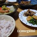 ずぼら冷凍レシピ「豚玉ねぎポン酢」&カブ入りポトフ風スープ&かぶの葉とえびのペペロンチーノ