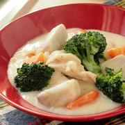 クリームシチューは里芋とローリエで決まり、という話。