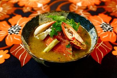 蟹のトムヤムスープ。