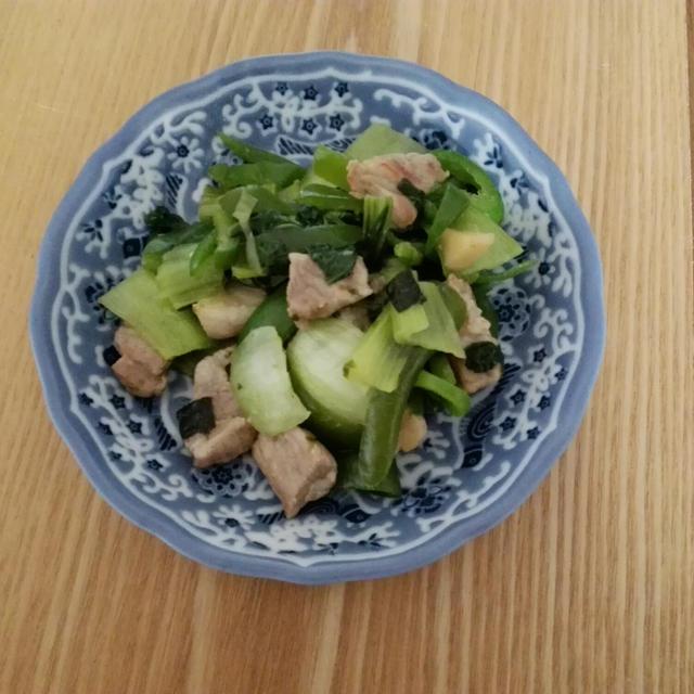 チンゲン菜とピーマン+豚肉の炒め