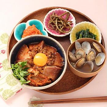 ぶりと納豆の韓国風どんぶり