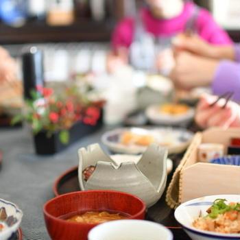 それほど食べていないのに、なんだか太る(・・;) その原因は、味噌汁の食べ方にあり?!