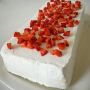 「よろこばレシピ」にレシピ投稿しました★ロールケーキ生地de苺のスクエアケーキ♪