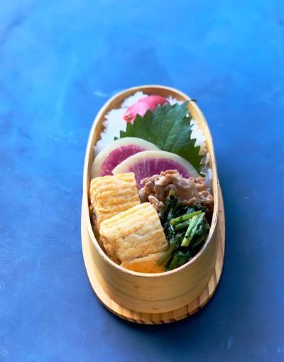 生姜焼き弁当と具沢山お味噌汁♪