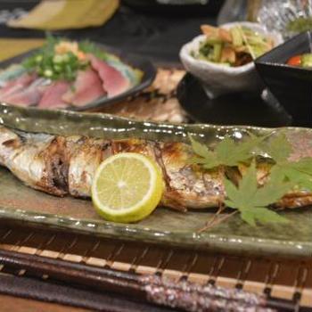 天高く馬肥ゆる秋、旬の味覚を食すかな~秋刀魚の塩焼きとお造り~