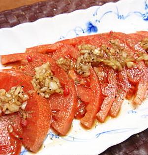 スライストマトのサラダ(レシピ付)