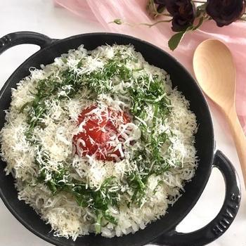 トマトとシラスの洋風炊き込みご飯