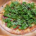 【レシピ】トレジョの食材を駆使して♪ 絶品❤アルグラと生ハムのピザ。
