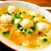 白菜と人参de鶏つみれ中華スープ
