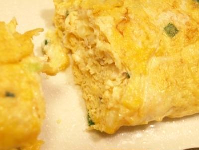 チーズと万能ネギの卵焼き