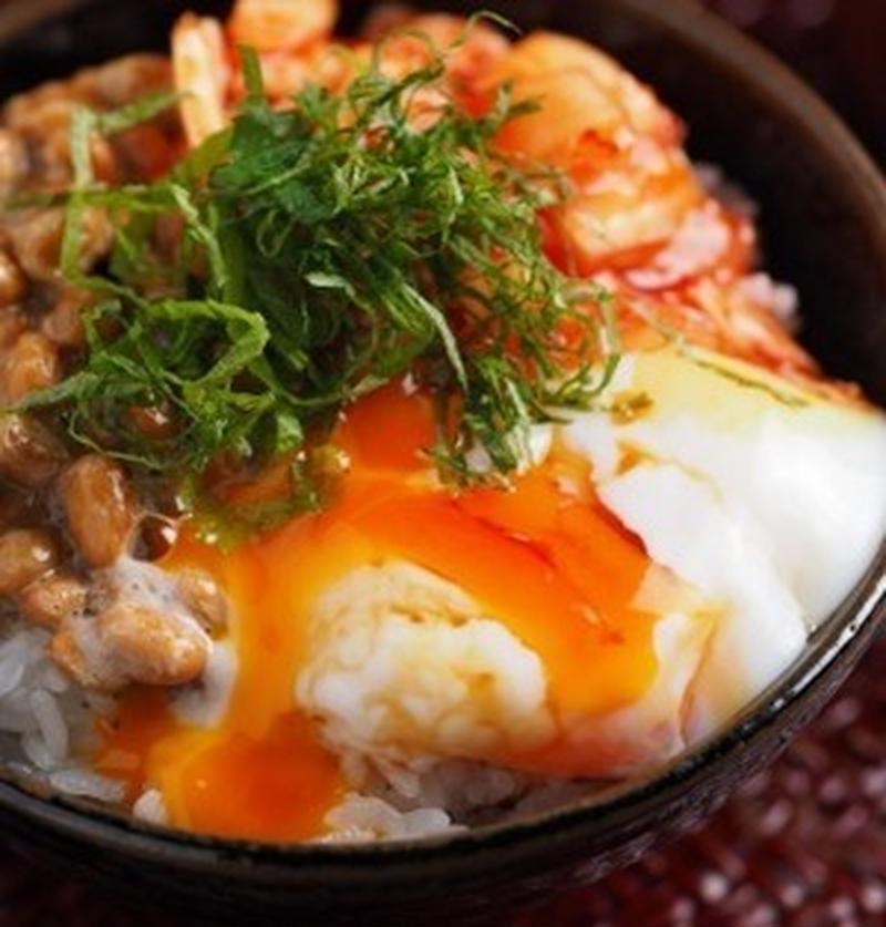 簡単だけどガッツリうまい!キムチ×卵のスタミナ丼レシピ