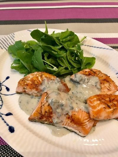 レシピ. 材料2つで簡単!おうちごはん向き「ゴルゴンゾーラソースで秋鮭ムニエル