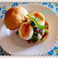 朝食は「ゆで卵のせサラダ・サンド」♪