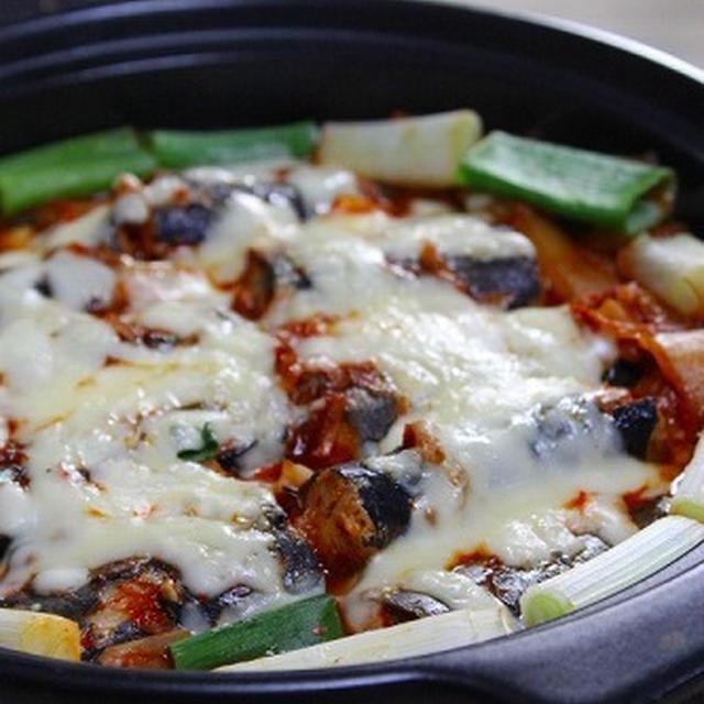 秋刀魚のキムチ煮・仕上げはチーズ美味しさ超アップ