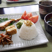 #和ンプレート で朝ごはん と 銀のしっぽブラシ(笑)