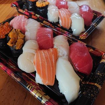 今夜は角上のお寿司
