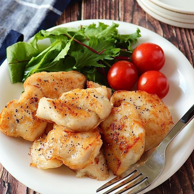3ステップで完成。鶏むね肉で旨塩ガーリックチキン