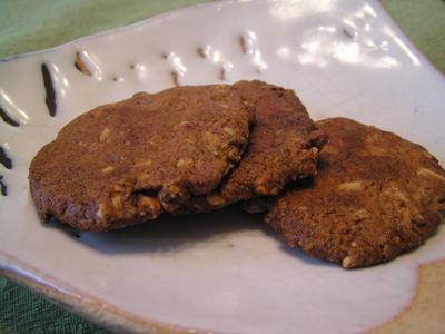 アーモンドの薄焼き味噌クッキー