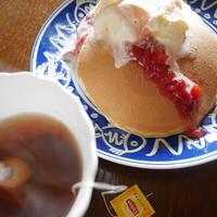 できたて苺ジャムとアイスのパンケーキブランチとイエローラベル