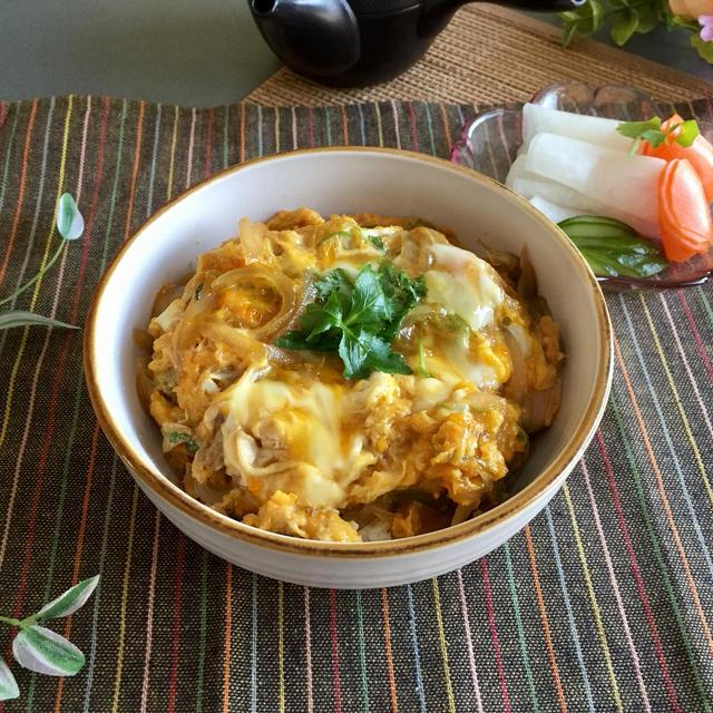 人気 レシピ 玉子 丼 【プロ直伝】親子丼の作り方。とろ〜り仕上げるコツは卵を混ぜないこと!