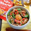 カンロ飴食堂8月のメニュー『夏野菜のスタミナ豚丼』