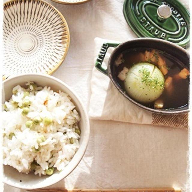 グリンピースご飯と新玉の丸ごとスープ