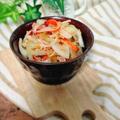 辛くない☆玉ねぎとカニかまのおかかサラダ