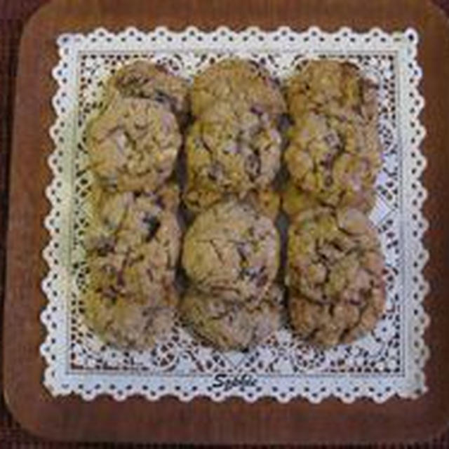 ドロップクッキー2種類と、サンドイッチクッキー1種類