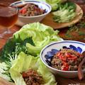 ひき肉のトマトバジル炒めでレタス包み。