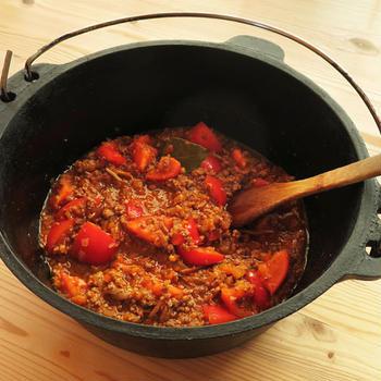 大量のトマトをおいしい料理で消費