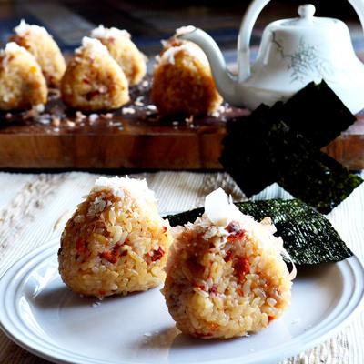 ★緊急告知★金魚監修 チーズとトマトのおにぎり 今日のFoodexJapanで!