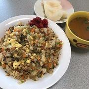 高菜炒飯と梨