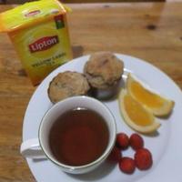 リプトン紅茶とヘルシーマフィン朝食