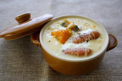とうもろこしとかぼちゃのとウインナーのクリームスープ