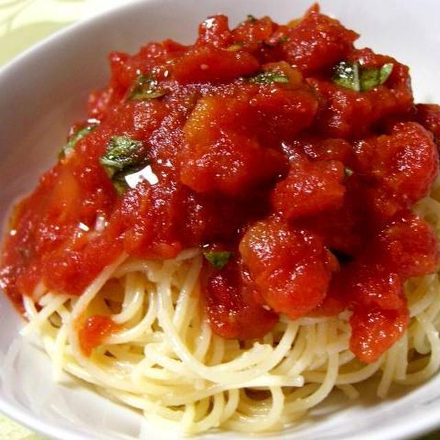カットトマトの冷製パスタ