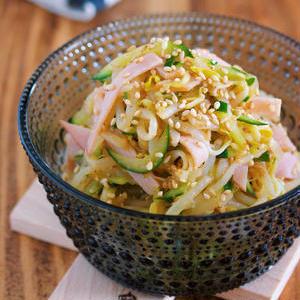 箸休めにもぴったり!節約食材・もやしのおすすめ中華サラダレシピ