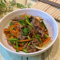 蕪の葉と牛肉のスパイシーソース炒め