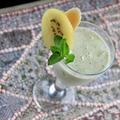 【ハーブスムージーレシピ】キウイとバナナのミントスムージーの作り方
