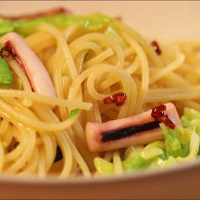 福島の食材で*イカの一夜干しと春キャベツのペペロンチーノ*ヒラタケとシイタケのホイル焼き*凍み大根と昆布の煮物*などなど