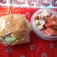 5/23(火)とりはむとチーズとレタスのサンドイッチとサラダ弁当