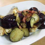 簡単☆茄子とベーコンのオリーブオイル炒め
