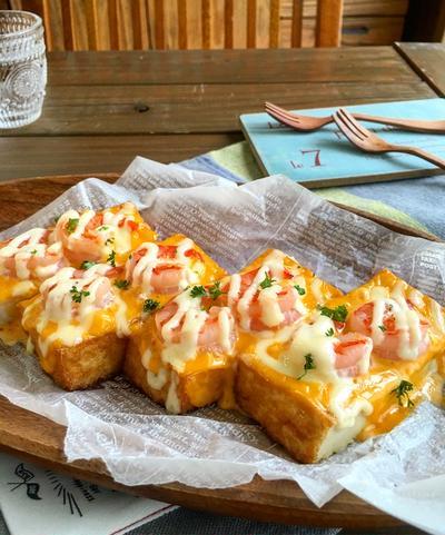 トースターで簡単♪クリーミーな 厚揚げのエビマヨチーズグリル〜おやつにピーチパイ♪〜
