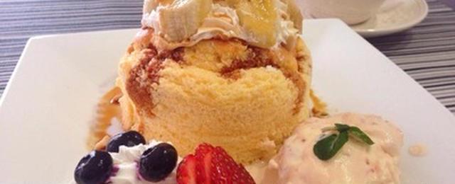 ふわふわひんやり♪至福のスイーツ「アイスのせパンケーキ」
