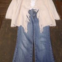 お気に入りニットコート&白Tシャツで秋晴れマルシェ
