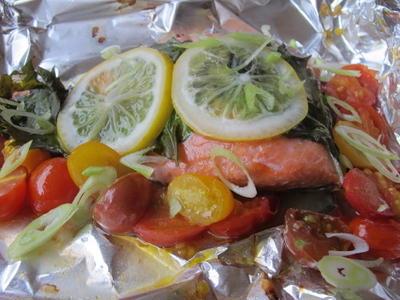 塩麹でマリネした鮭と紫蘇とミニトマトのホイル焼き  7・13・2012