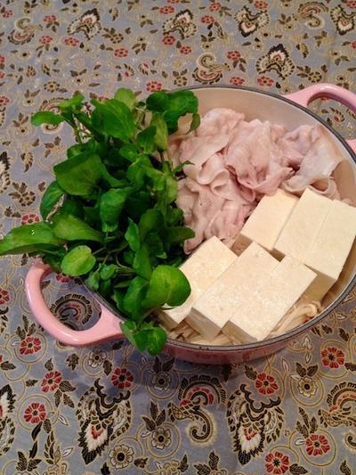 「クレソンとしゃぶしゃぶ豚のお鍋」を簡単ごまだれとゆず酢で。